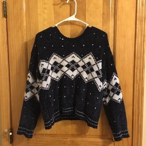 Soft knitted navy blue and white patterned sweater